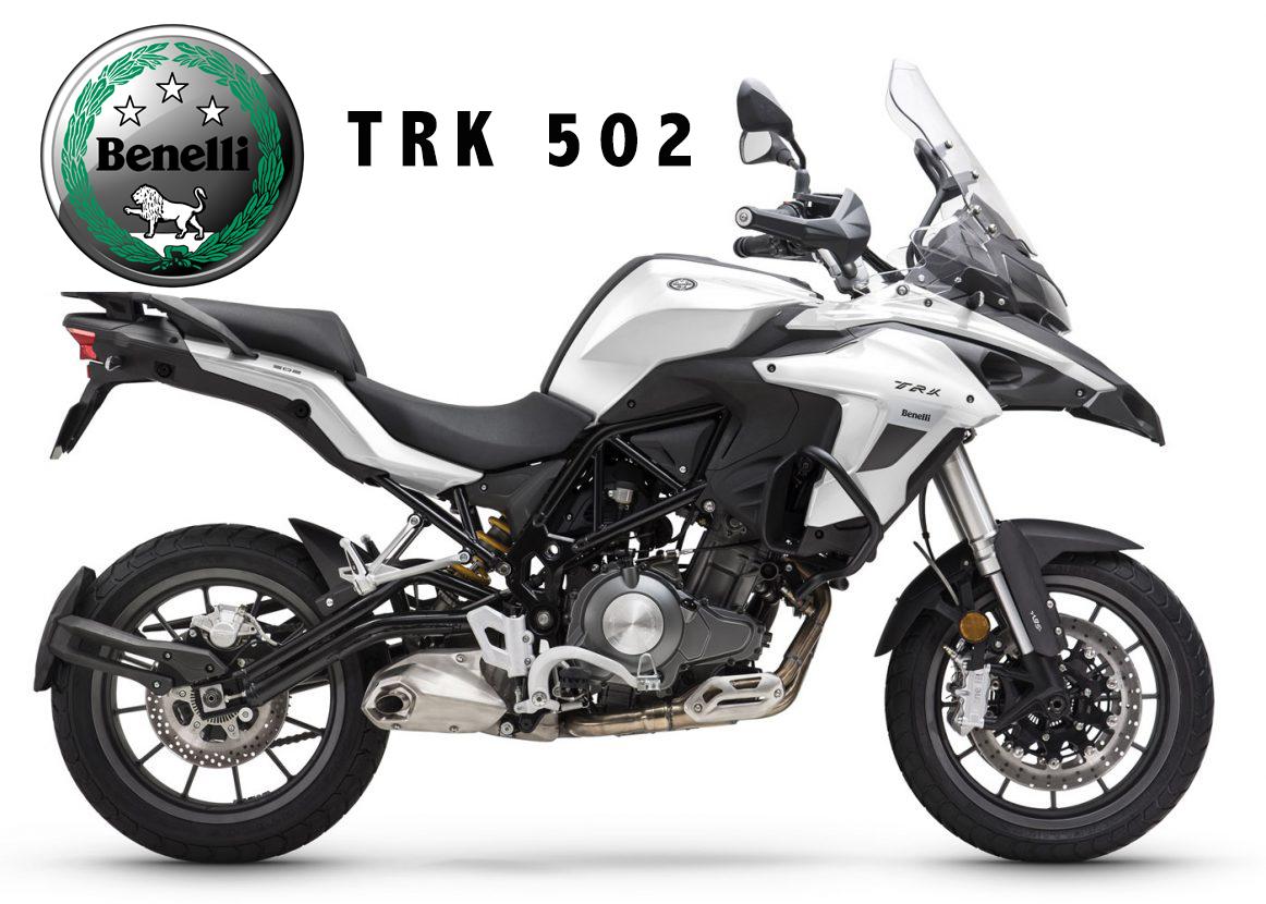 Moto blanche Benelli TRK 502